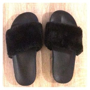 Shoes - Size 8 fuzzy slides